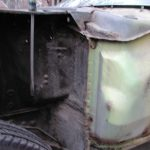 The two different shades of yellow is due to the car being repainted in 1971